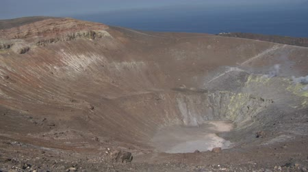 krater : Grand crater Vulcano, Italy