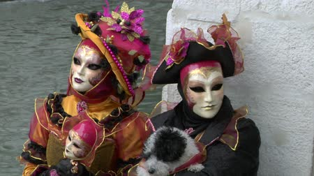 veneza : Person in Venetian costume attends the Carnival of Venice (Italy) Stock Footage