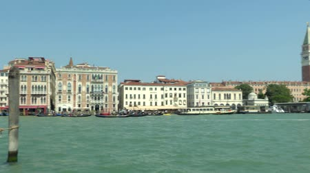 túmulo : Sea view of Piazza San Marco with Campanile and Doge Palace, Venice (Italy)
