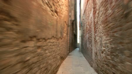 wenecja : A calle in the area of the Cannaregio Sestiere, Venice (Italy)