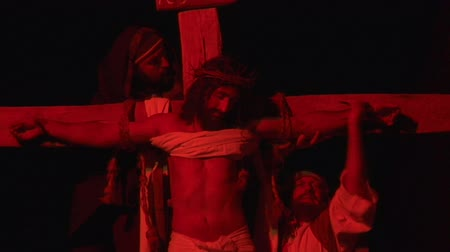 crucifixo : Via Crucis Way of the Cross. Representation of passion of Christ Stock Footage