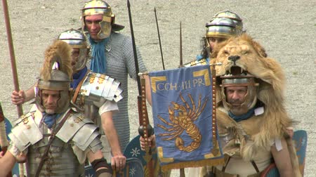 római : Roman and gallic soldier during a reenactment of war between Romans and Cottians Gauls on 10 a.c.