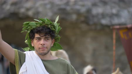 nobreza : A Roman consul during the reenactment 'Back In Time' on July 29, 2017 in Arezzo (Italy) Vídeos