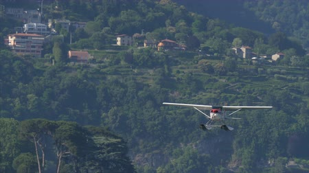 hydroplane : Floatplane taken off from Lake Como in Italy