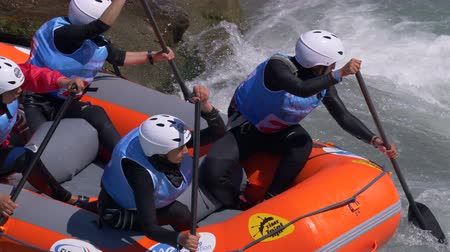 adrenalin : The Iranian women's Under 23 rafting team in the training on the Dora Baltea river during World Rafting Championship on 23 July 2018, Ivrea (Italy) Dostupné videozáznamy