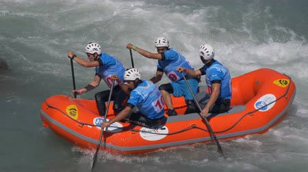 veslování : The Italian Under 23 men's rafting team in the training on the Dora Baltea river during World Rafting Championship on 23 July 2018, Ivrea (Italy)