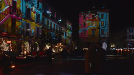 piazza : During the Christmas holidays the buildings of Como are tinged with colored lights. It is the Città dei Balocchi event that attracts visitors from all over the world. December 2018, Como (Italy)