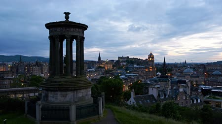 europeu : timelapse of sunset over edinburgh from calton hill, scotland