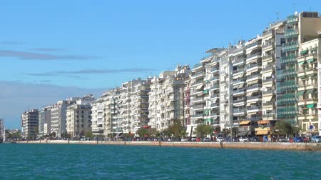 zár : Sea-front Nikis Avenue in Thessaloniki, Greece. Panorama with zoom in