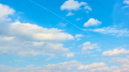 bulutluluk : Blue sky with fast heap clouds - 4K timelapse Stok Video