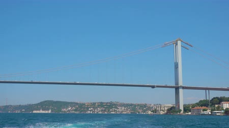 isztambul : The Bosphorus Bridge (15 July Martyrs Bridge) in Istanbul, Turkey