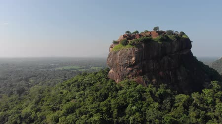 király : Sigiriya Lion Rock Mount sri lag dawn top view