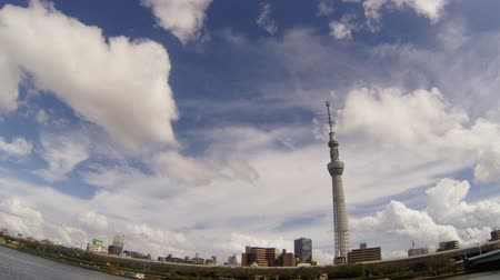 geçti : Tokyo Sky Tree and white cloud time lapse