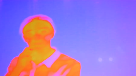infra : Thermographic camera view of woman